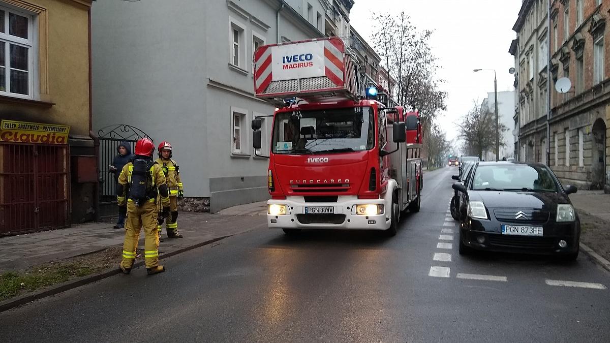 Wyciek gazu w kamienicy przy ul. Cierpięgi w Gnieźnie