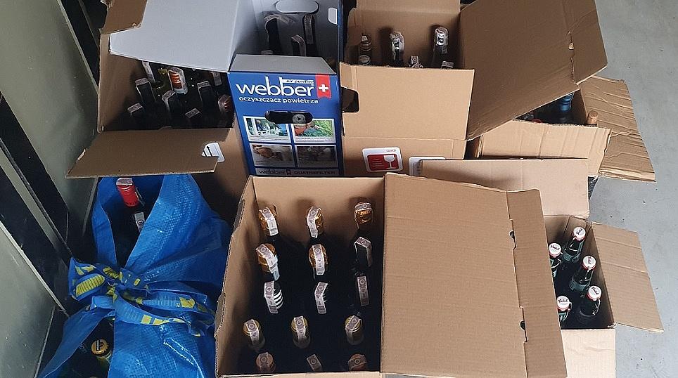 Policjanci zabezpieczyli alkohol - był sprzedawany w gnieźnieńskim lokalu bez zezwolenia