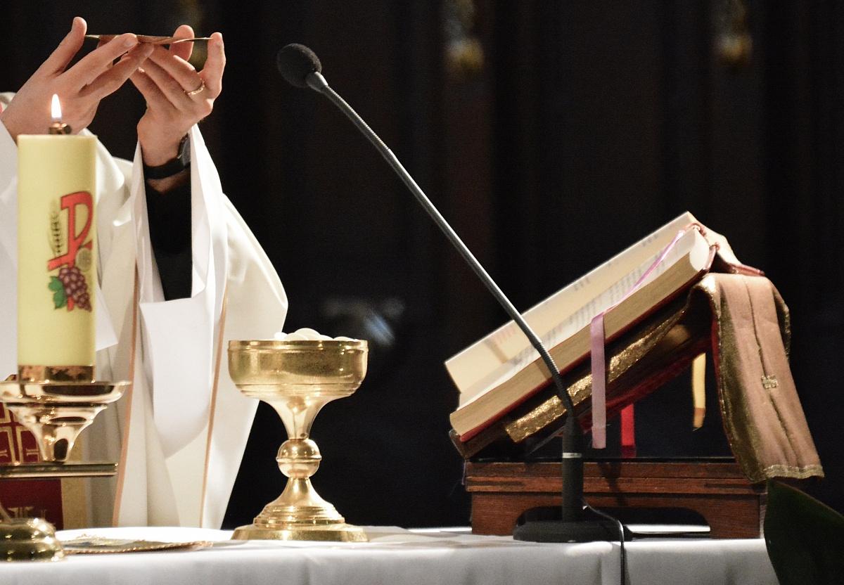 Kradzież z włamaniem do kościoła w Kędzierzynie! Okradziono tabernakulum!