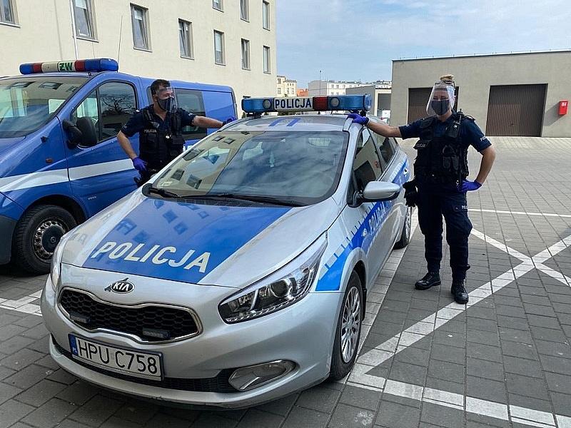 Gnieźnieńscy policjanci otrzymali kolejne przyłbice ochronne