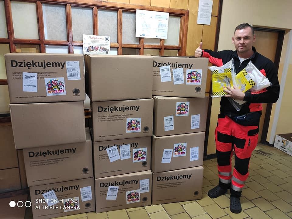 Szpital otrzymał 180 kombinezonów od Wielkiej Orkiestry Świątecznej Pomocy