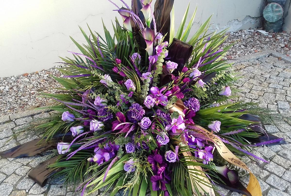 Florystyka Funeralna - kiedy powstała i co ją cechuje?