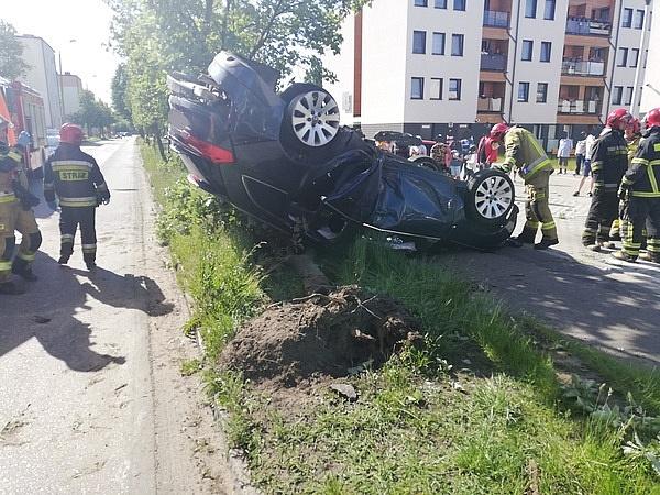 Pijany kierowca dachował na ul. Cymsa w Gnieźnie!