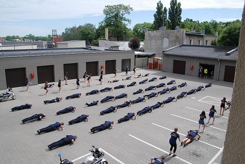 #GaszynChellenge - gnieźnieńscy policjanci wsparli leczenie Zosi