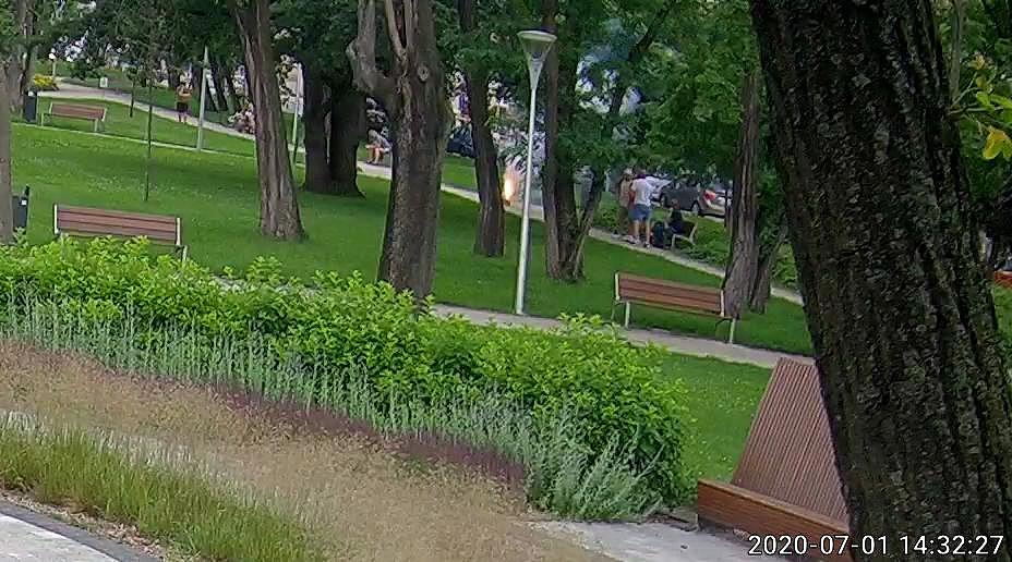Sprawcy odpalania fajerwerków w centrum namierzeni przez Straż Miejską