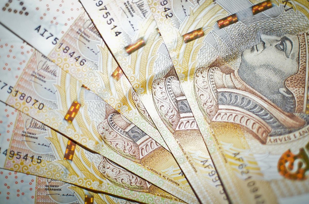 Policja szuka osoby, która zgubiła pieniądze