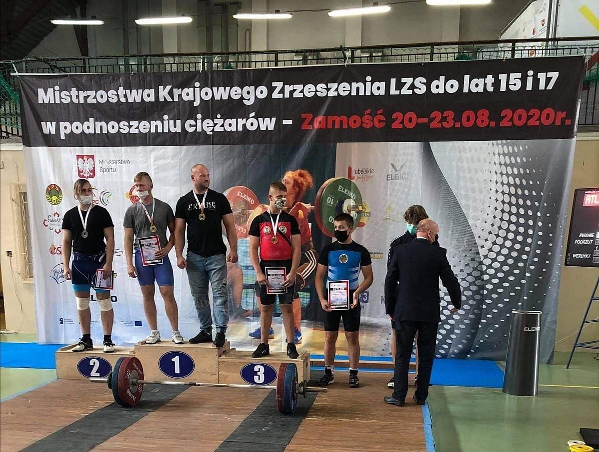 Nikodem Lewandowski z GTA Chrobry Mistrzem Polski w Podnoszeniu Ciężarów 2020