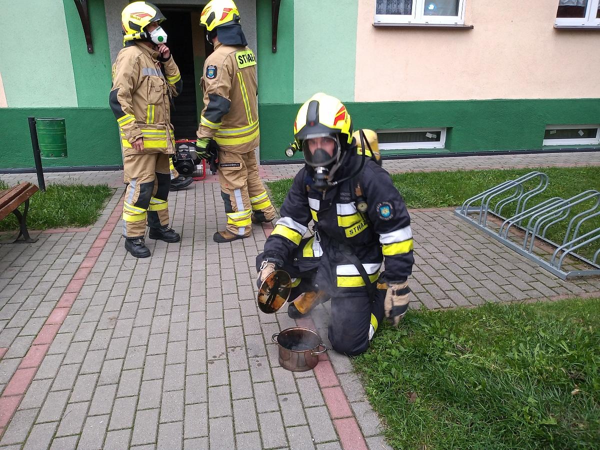 Strażacy wpadli na kolację! Niestety było za późno
