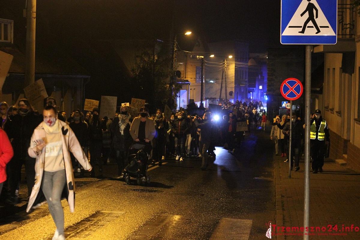 Strajk Kobiet w Trzemesznie! Frekwencja przerosła oczekiwania!