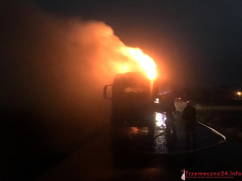 Pożar cieżarówki w Miatach