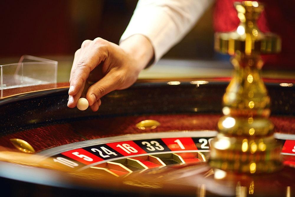 Polskie Las Vegas czyli kasyno online, poker, ruletka, automaty online. Czy to wciąż hazard? A może dobra zabawa i sportowa rywalizacja?