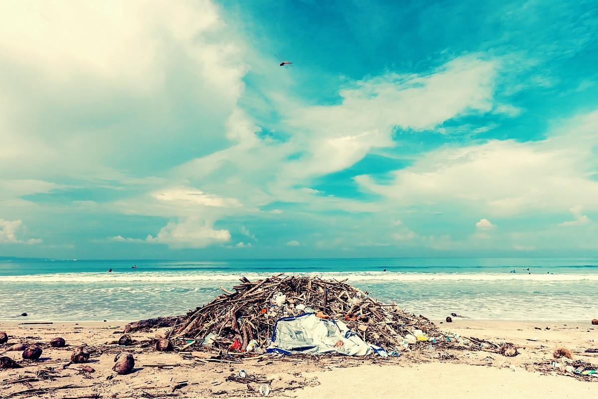 Co grozi za nielegalne składowanie odpadów?