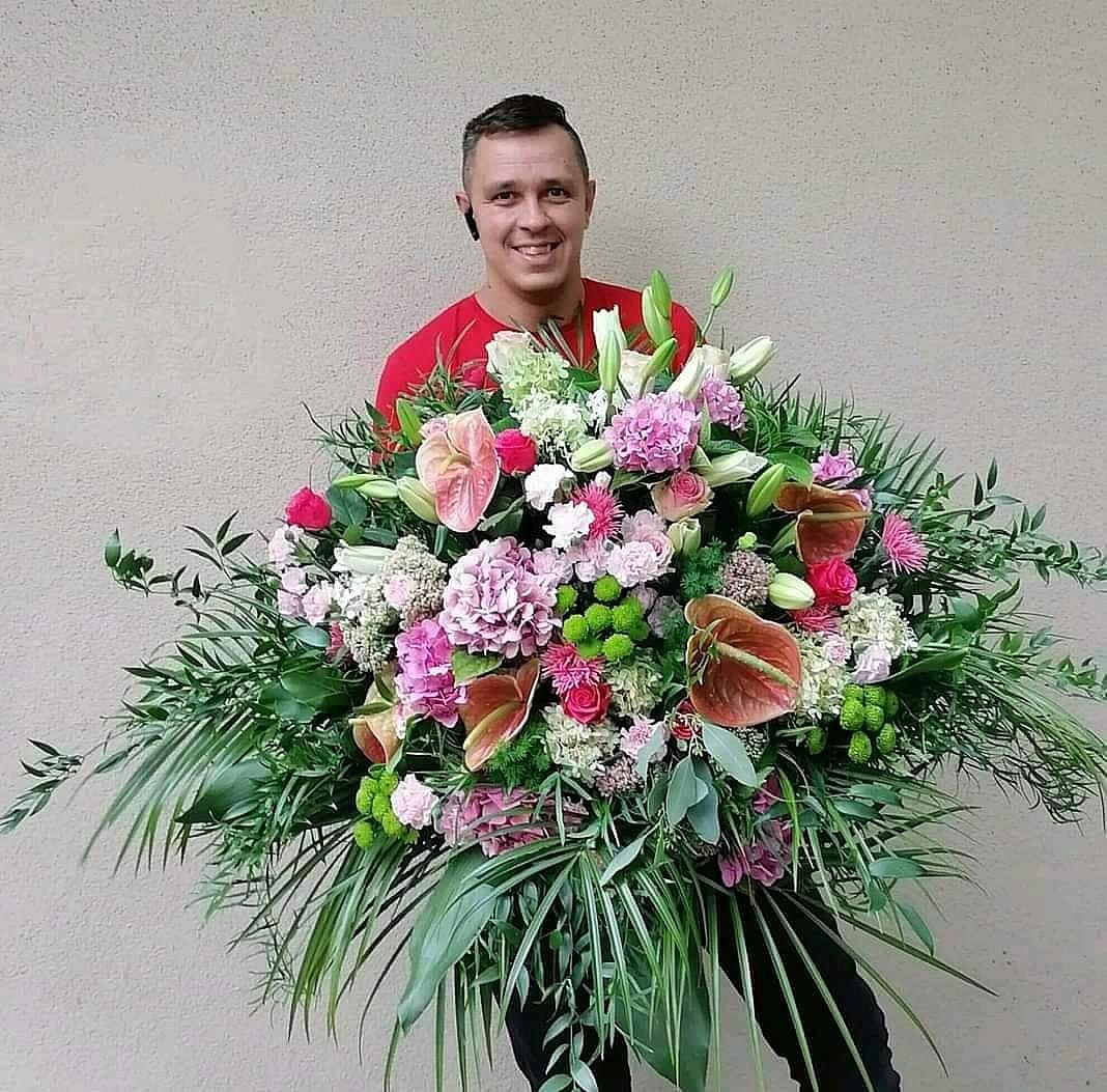 Walentynki z Akademią Kwiatów! Zamów najpiękniejsze kwiaty dla swojej ukochanej!