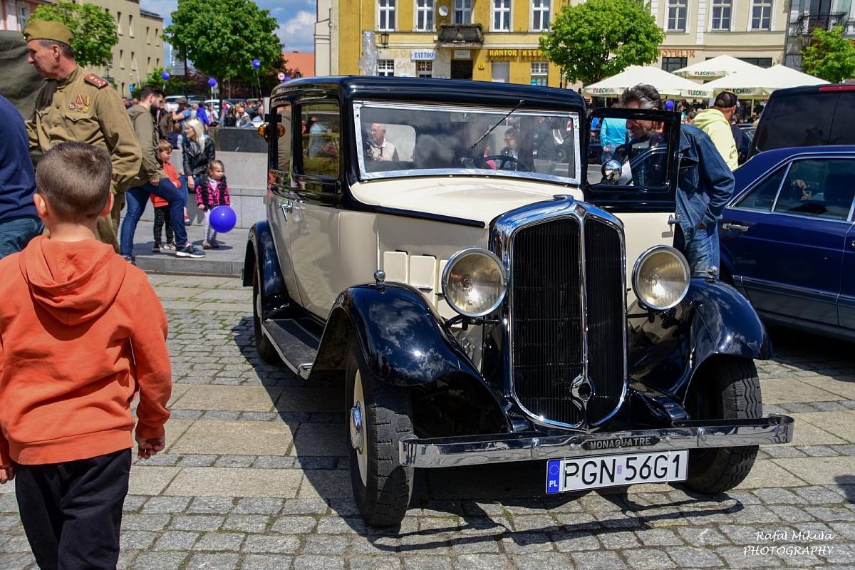 Zabytkowe pojazdy - i nie tylko - dla Olgi Miśkiewicz! W niebo poleciało 250 balonów!