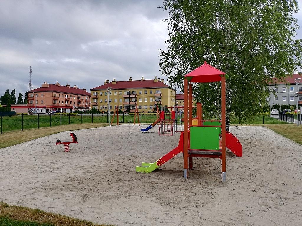 Plac zabaw na Kawiarach już otwarty