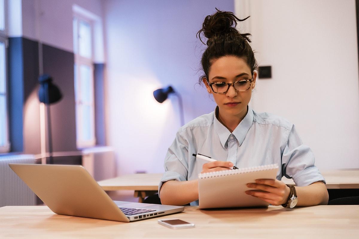 Praca dla studentów. Jakie wybrać studia by pogodzić karierę z nauką?