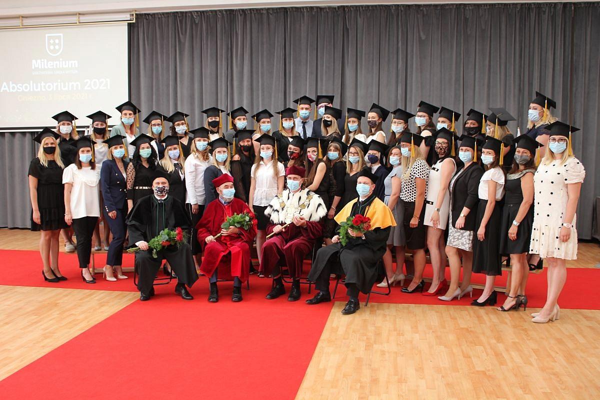 Absolutorium 2021 w Gnieźnieńskiej Szkole Wyższej Milenium