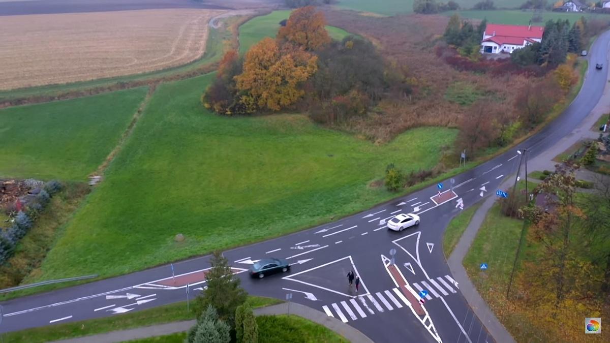 Skrzyżowanie w Łubowie drogowym absurdem? Zobaczcie sami