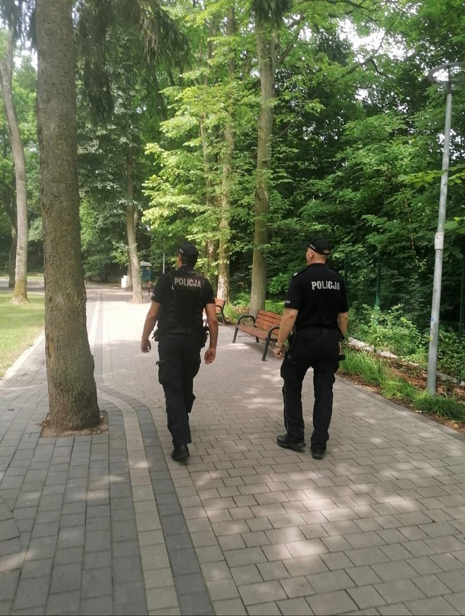Dodatkowe piesze patrole Policji w Trzemesznie