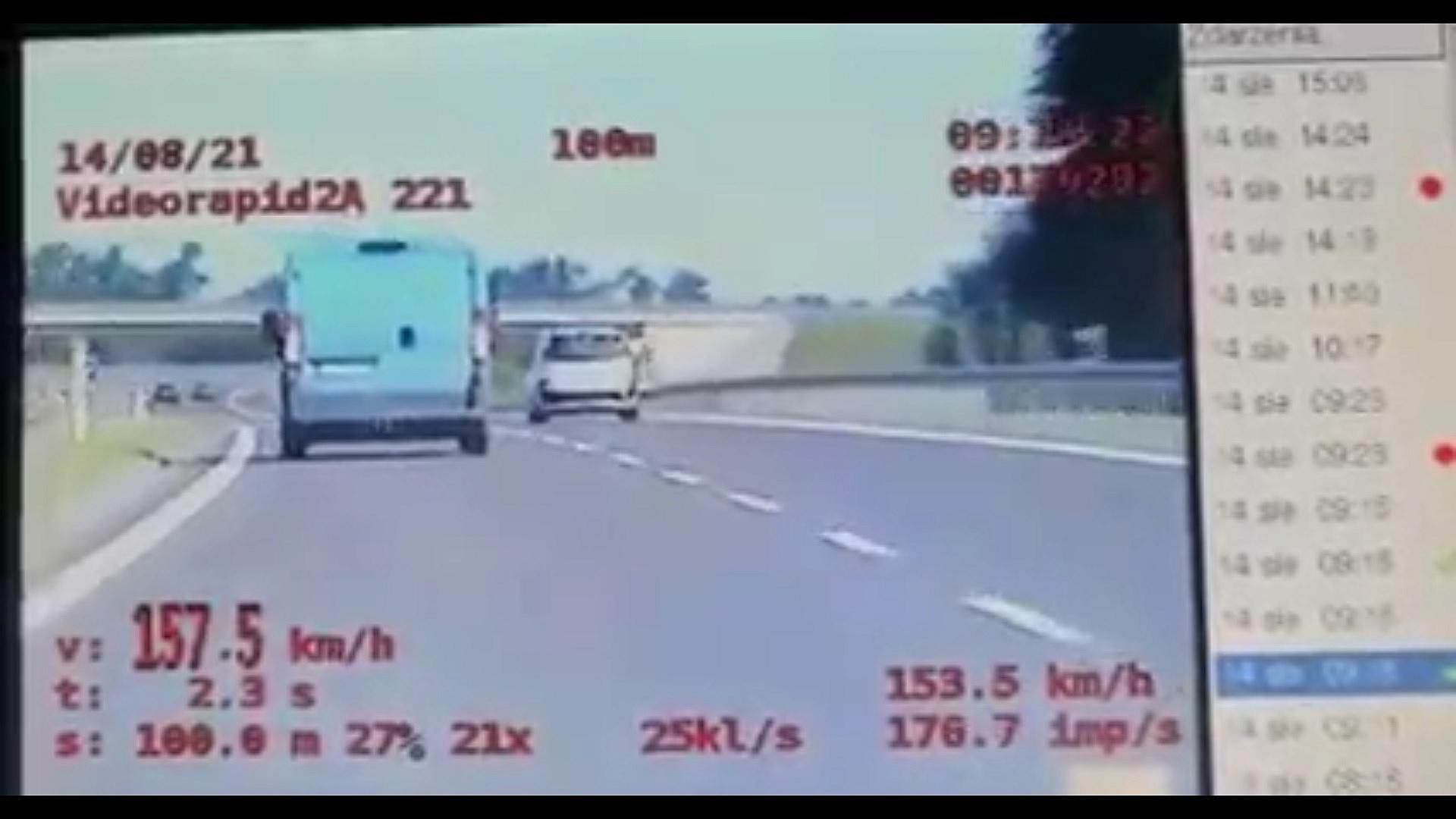 Pijany Ukrainiec pędził busem prawie 160 km/h! W trakcie jazdy zamienił się miejscami z pasażerem!
