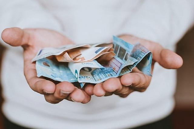 Na czym polega oferta pożyczek pozabankowych na raty?