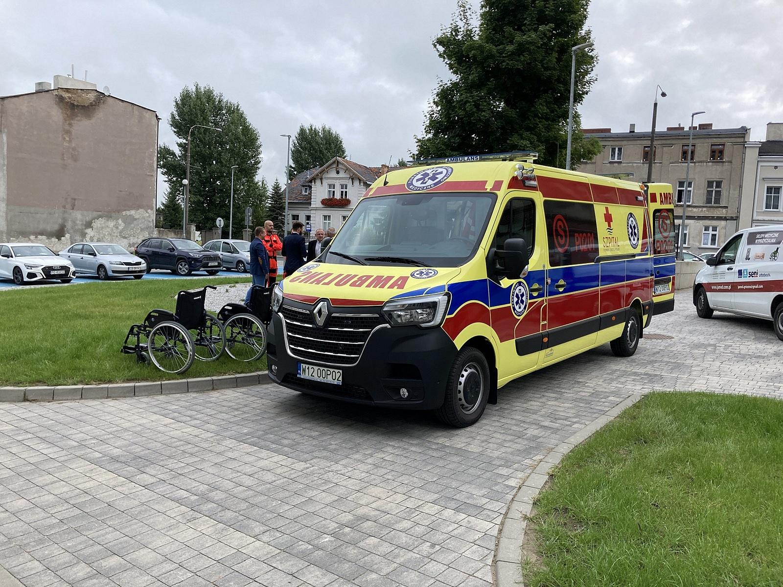W jakich warunkach pracują i ile zarabiają ratownicy medyczni w Gnieźnie?