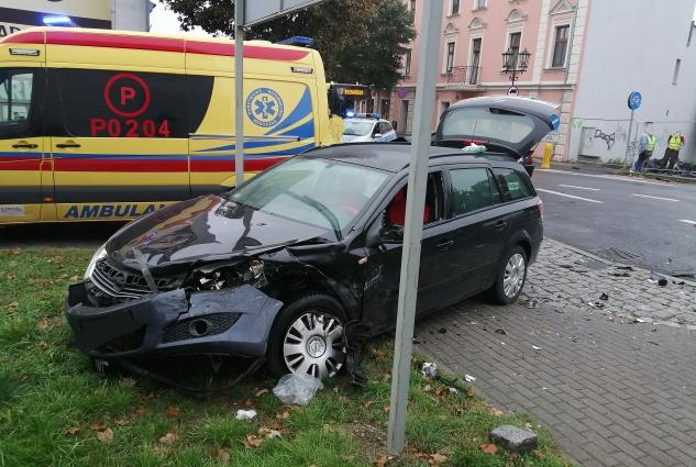 Czołowe zderzenie na ul. Łaskiego!